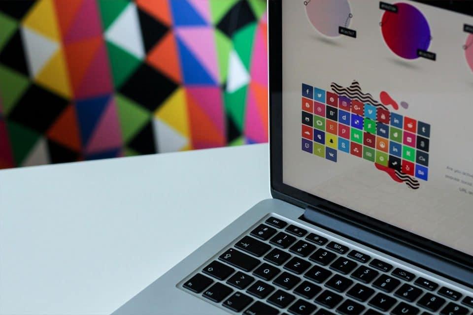 10 tendenze del logo design del 2021 da non perdere - Italy Swag  agenzia web, grafica e social a Bari